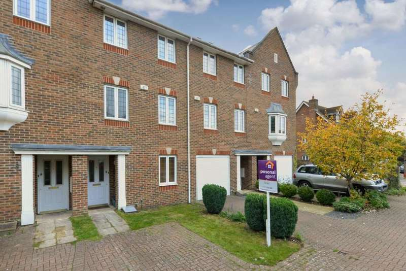 4 Bedrooms Town House for rent in Sandy Mead, Epsom