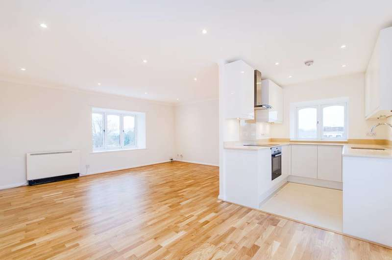 3 Bedrooms Flat for sale in Greenford Avenue, Hanwell, W7