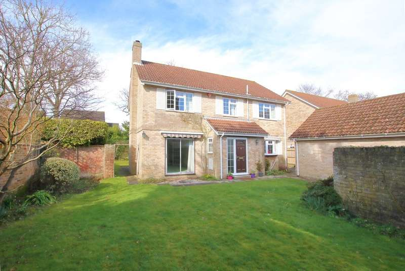 4 Bedrooms Detached House for sale in Russett Close, Old Orchards, Lymington, Hampshire