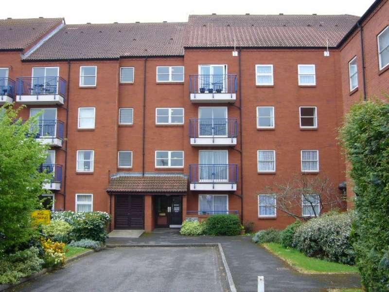 2 Bedrooms Flat for rent in Grenville Court, Bridgwater TA6