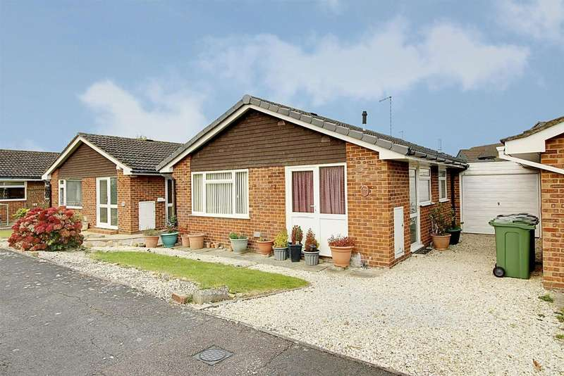2 Bedrooms Property for sale in Towning Close, Deeping St. James