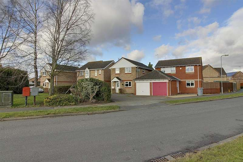 4 Bedrooms Property for sale in Burchnall Close, Deeping St. James