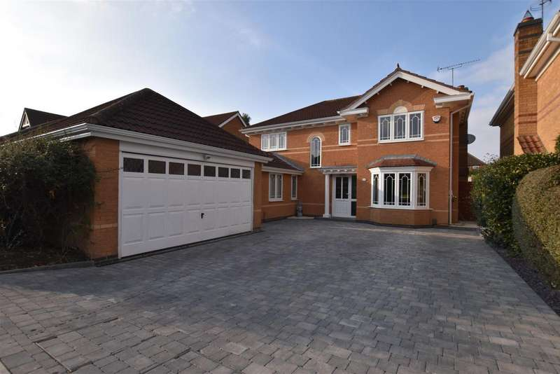 4 Bedrooms Property for sale in Spruce Avenue, Loughborough