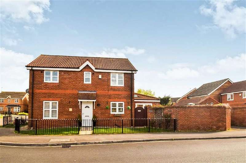 4 Bedrooms Detached House for sale in Whisperwood Way, Hull
