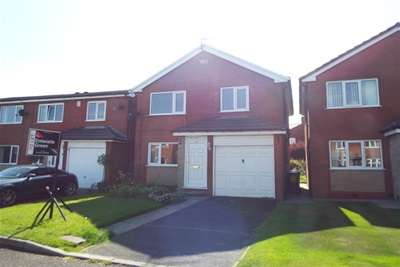 3 Bedrooms House for rent in Radley Close, Heaton, BL1