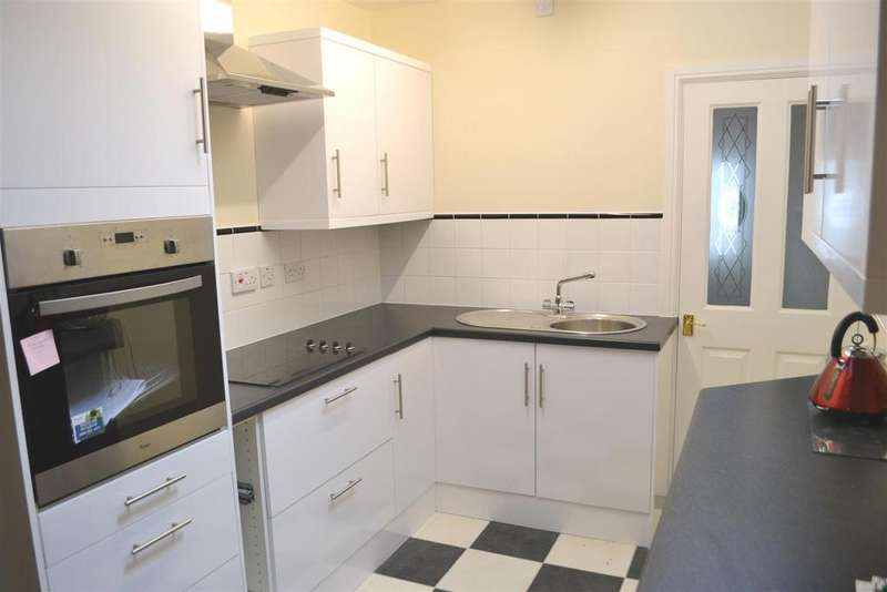 3 Bedrooms Terraced House for sale in Silver Street, Barnstaple