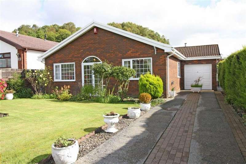 3 Bedrooms Detached Bungalow for sale in Elan Close, Cwmbach, Aberdare, Mid Glamorgan