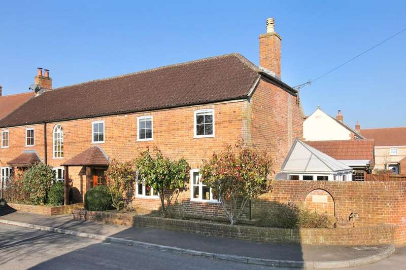3 Bedrooms End Of Terrace House for sale in Upton Scudamore, Warminster