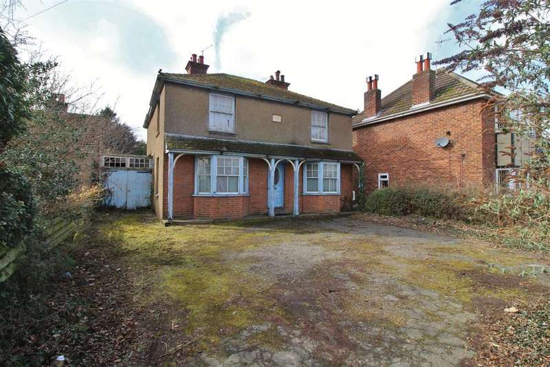 3 Bedrooms Detached House for sale in Mildenhall Road, Bury St. Edmunds