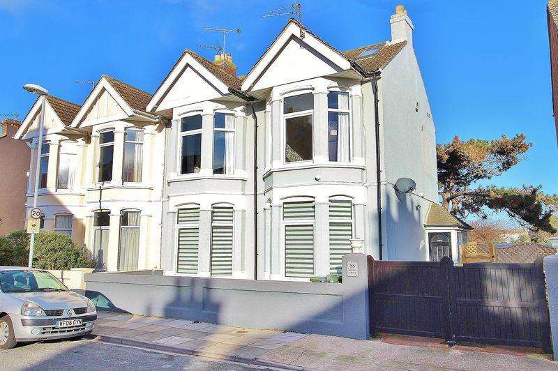4 Bedrooms Semi Detached House for sale in Festing Grove, Southsea