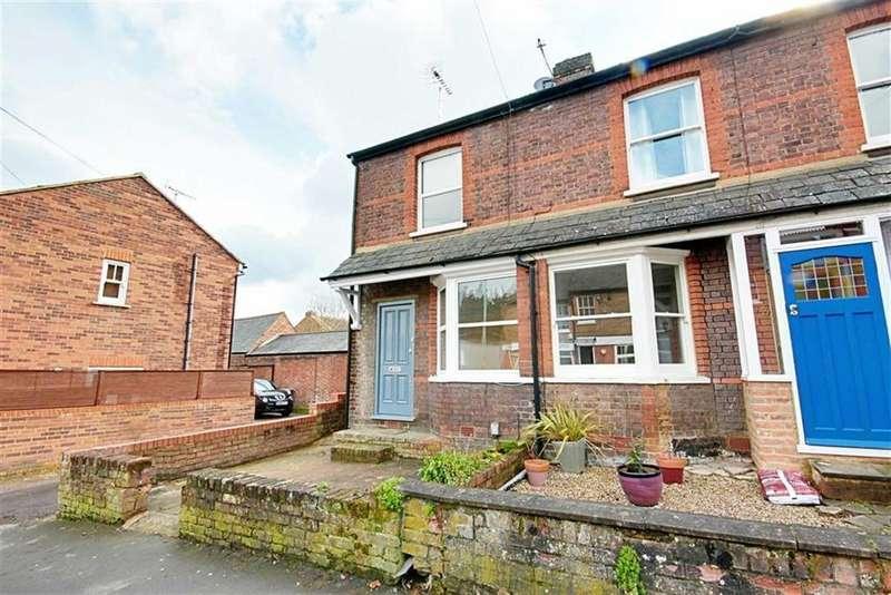 2 Bedrooms Cottage House for rent in Station Road, Radlett, Hertfordshire