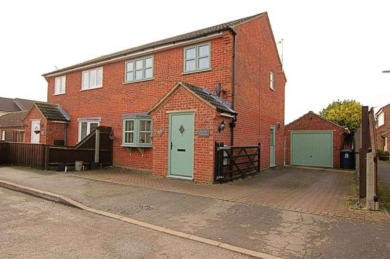 3 Bedrooms Property for sale in Mill Lane, Ramsey