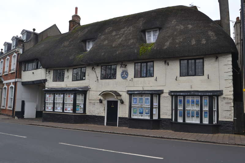 6 Bedrooms Pub Commercial for sale in The White Hart, Market Cross, Sturminster Newton, Dorset DT10 1AN