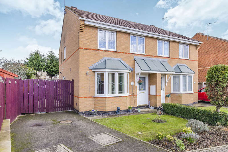 3 Bedrooms Semi Detached House for sale in Cavendish Avenue, Pontefract, WF8