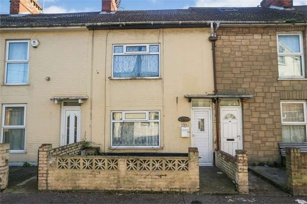 3 Bedrooms Terraced House for sale in Nelson Road Central, Great Yarmouth, Norfolk