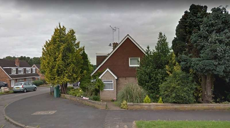 3 Bedrooms Semi Detached House for rent in St. Johns Road, Kettering, Northamptonshire. NN15 5AZ