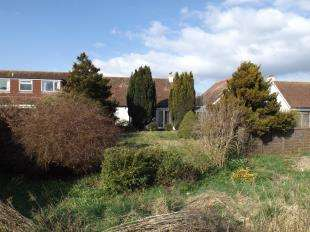 3 Bedrooms Detached House for sale in Yapton Road, Middleton On Sea, Bognor Regis, West Sussex