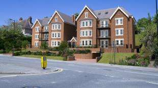 3 Bedrooms Maisonette Flat for sale in Verdun Heights, 14-16 Foxley Lane, Purley