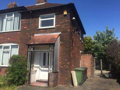 3 Bedrooms Semi Detached House for sale in Russell Road, Southport, Lancashire, Uk, PR9