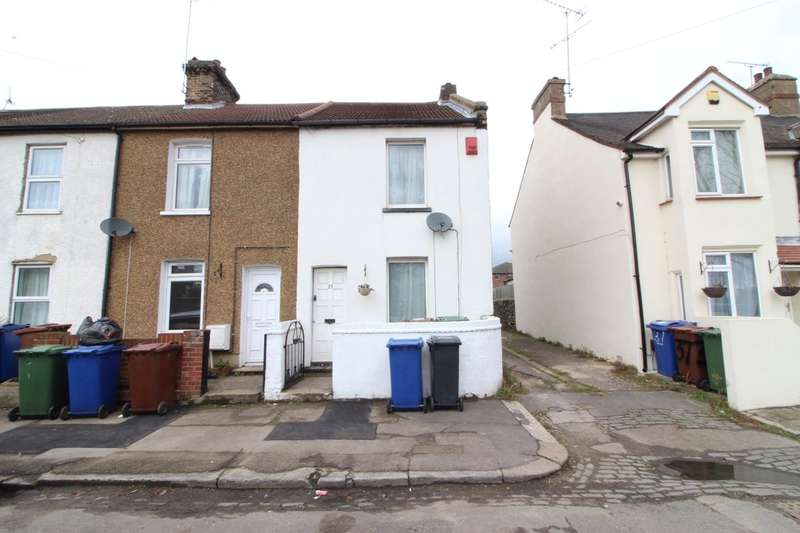 2 Bedrooms Terraced House for sale in Manor Road, Grays