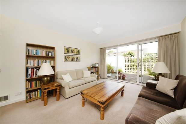 4 Bedrooms End Of Terrace House for sale in Lings Coppice, Dulwich