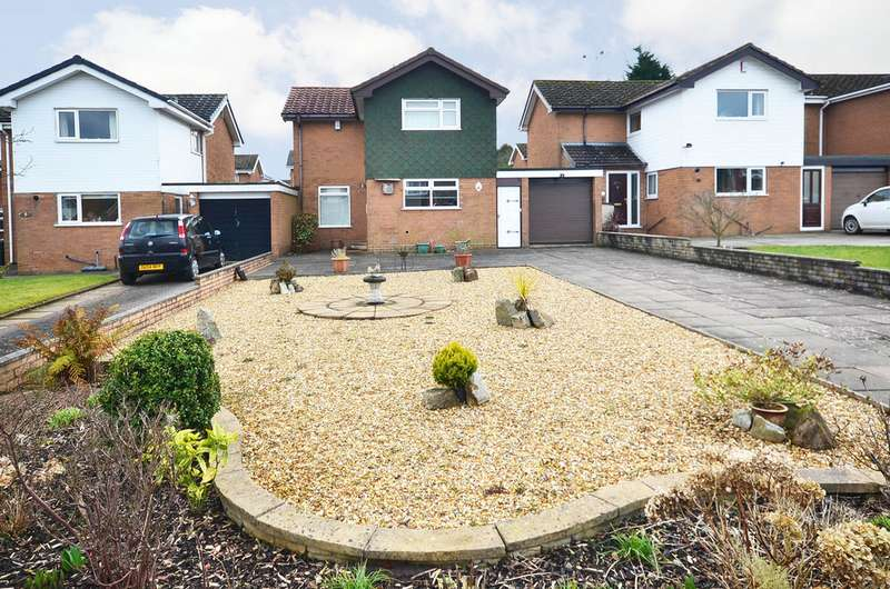 3 Bedrooms Detached House for sale in Turin Drive, Westlands, Newcastle ST5
