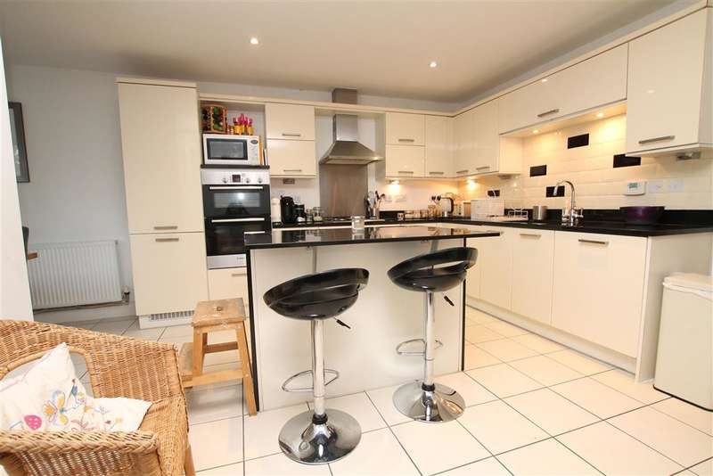 4 Bedrooms Terraced House for sale in Madison Close, , Sutton, Surrey