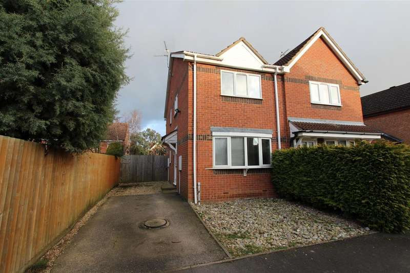 3 Bedrooms Detached House for sale in Kesteven Way, Bourne