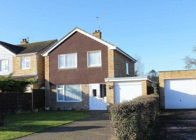 3 Bedrooms Detached House for sale in Meadow Close, Grove
