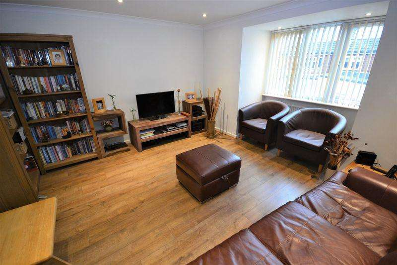 3 Bedrooms Terraced House for sale in Norwich Road, Bournemouth
