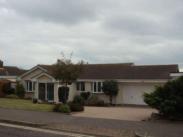 3 Bedrooms Detached Bungalow for rent in Foxholes Hill, Exmouth EX8