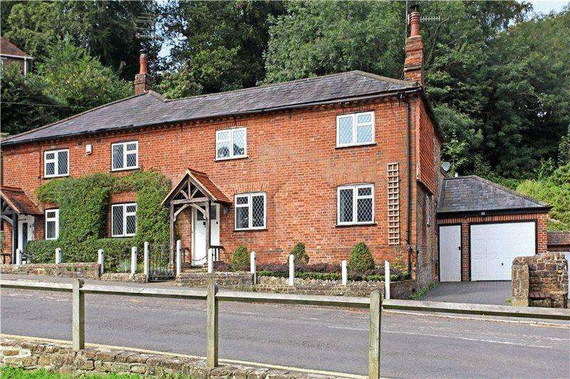 4 Bedrooms Semi Detached House for rent in Crownpits Lane, Godalming