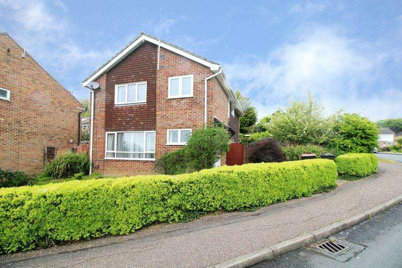 4 Bedrooms Detached House for sale in Tintern Road, Crawley