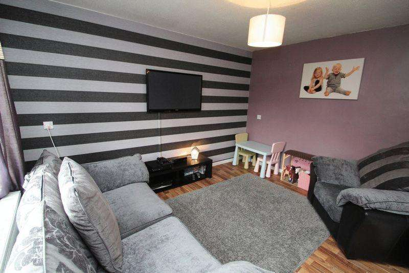 3 Bedrooms Terraced House for sale in Walk Mill Close, Wardle OL12 9TP