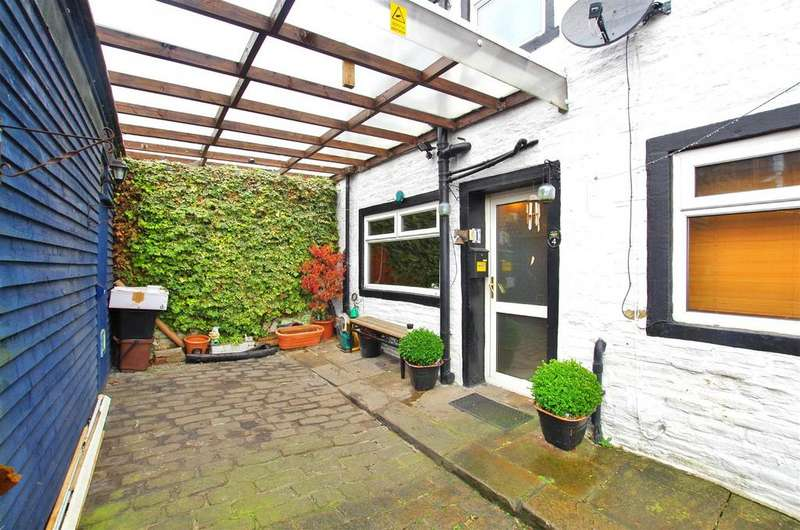 1 Bedroom End Of Terrace House for sale in Smiths Terrace, Halifax