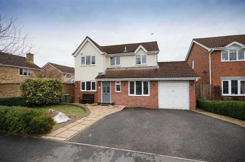 4 Bedrooms Detached House for sale in Church Lane, Downend, Bristol, BS16 6TA