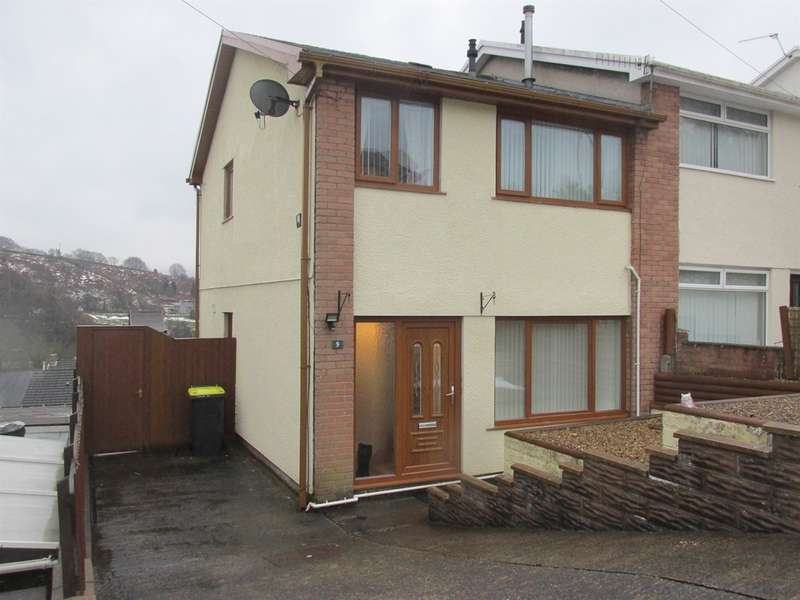 3 Bedrooms Semi Detached House for sale in Westwood Drive, Treharris