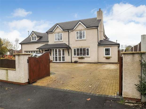 4 Bedrooms Detached House for sale in Kings Crescent, Middlewich, Cheshire