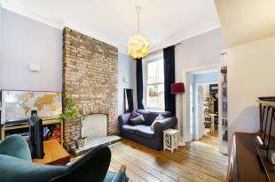 2 Bedrooms Flat for sale in Tradescant Road, Stockwell, London