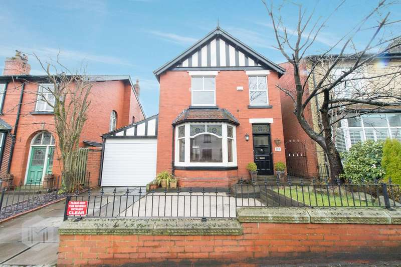 4 Bedrooms Detached House for sale in Darwen Road, Bromley Cross, Bolton, BL7