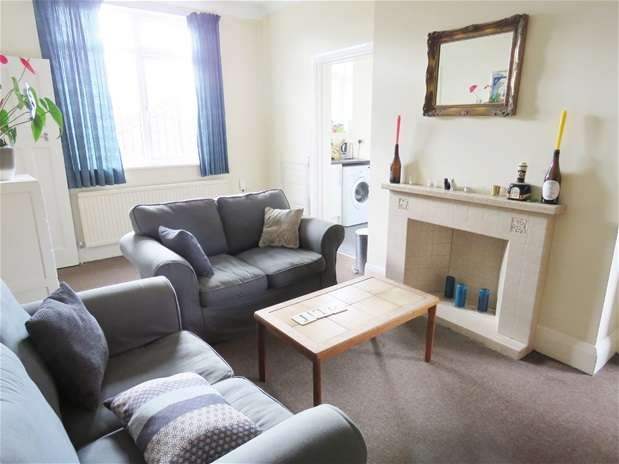 3 Bedrooms Flat for rent in Wolfington Road, West Norwood