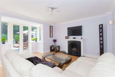 4 Bedrooms House for rent in Thompsons Close, Cheshunt EN7 5RF
