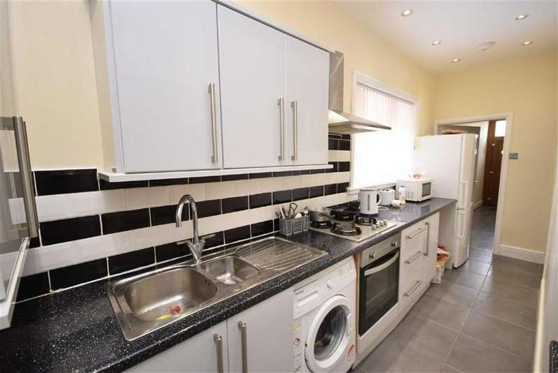 4 Bedrooms Terraced House for sale in Lune Street, Colne, Lancashire