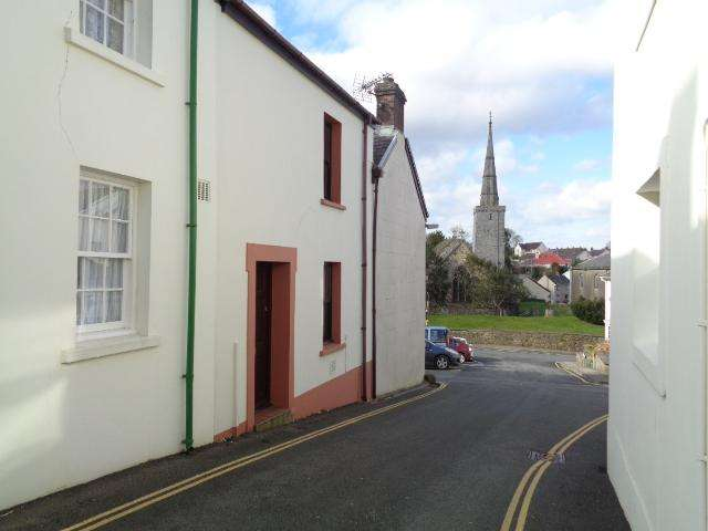 3 Bedrooms End Of Terrace House for rent in 19 Castle Street, Haverfordwest. SA61 2ED