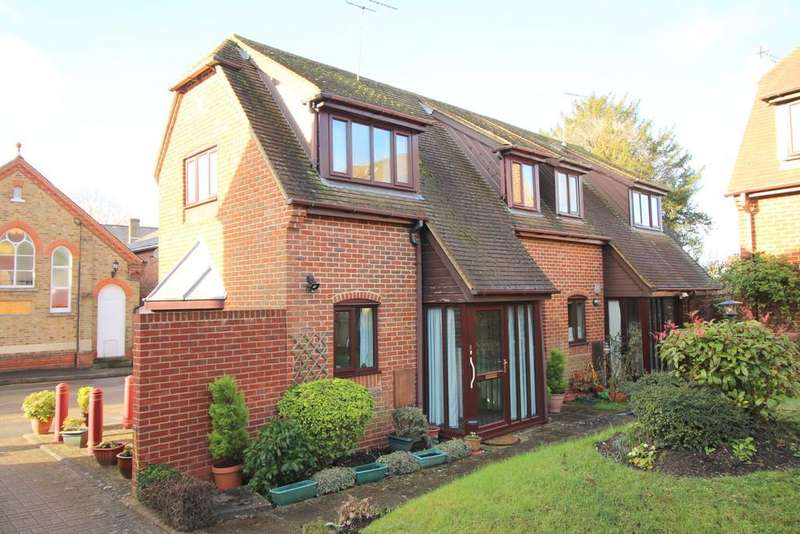 2 Bedrooms Semi Detached House for sale in Evelyn Mews, The Dean, Alresford