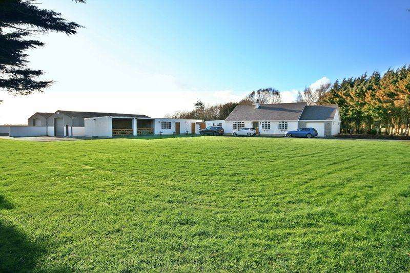 5 Bedrooms Detached Bungalow for sale in Dwyran, Anglesey