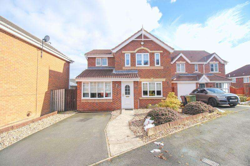 3 Bedrooms Detached House for sale in Blencathra Way, Blaydon
