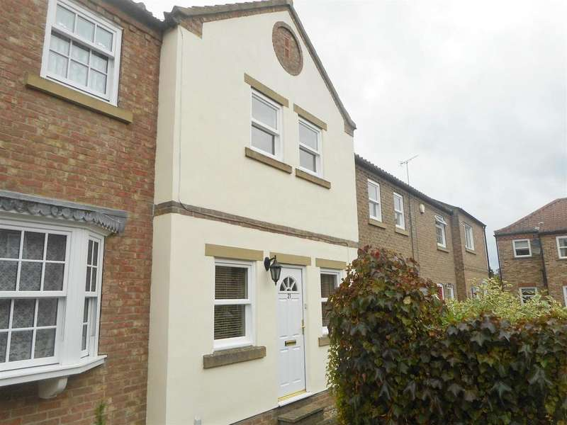 2 Bedrooms Town House for sale in Waterside, Ripon, HG4 1RA