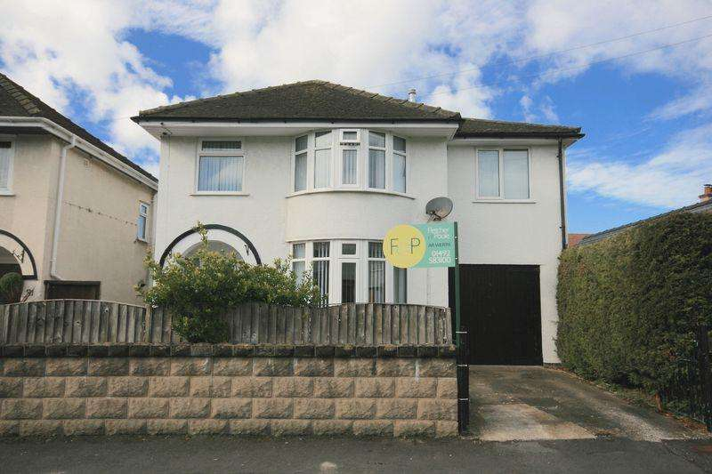 4 Bedrooms Detached House for sale in Walton Crescent, Llandudno Junction