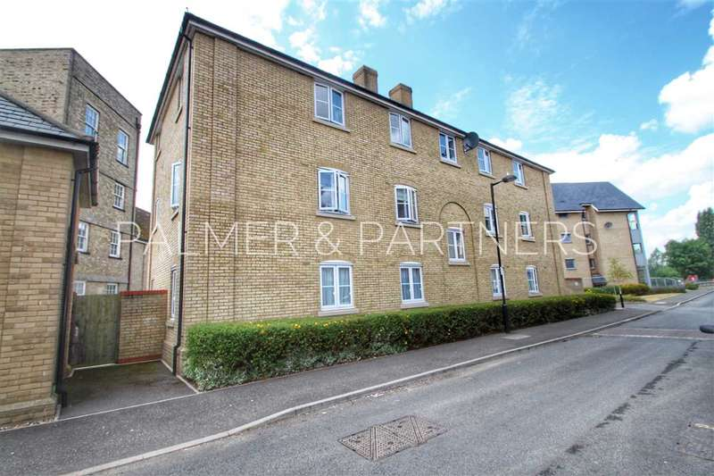 2 Bedrooms Apartment Flat for sale in Bakers Court, Great Cornard